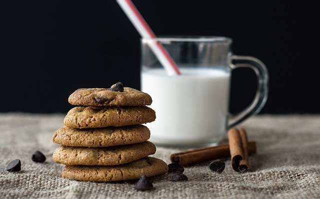 mleko i ciasstka